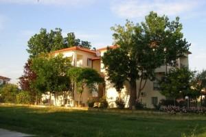 """Studios und Apartments im """" Haus der Familie"""" in Psakoudia"""
