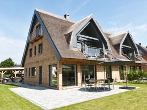 exklusive Reetdach Villa nur 500 Meter bis zum Strand für 6+2 Personen