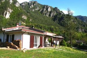 Ferienhaus Giorgia in Vesta am Lago di Idro mit eingezäunten Garten